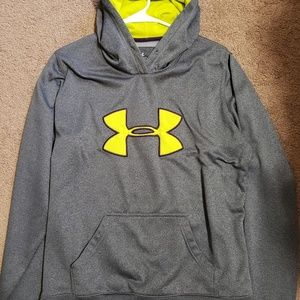 Under armour hoodie. String included it purple.